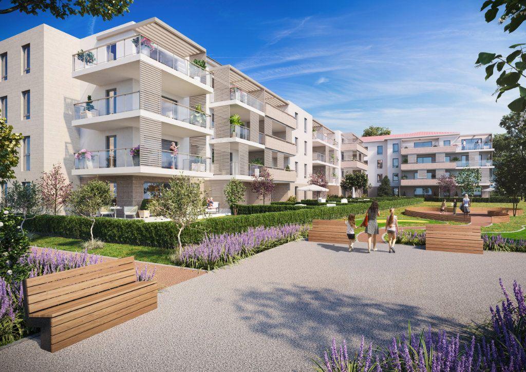 Appartement à vendre 2 52.72m2 à Saint-Raphaël vignette-1