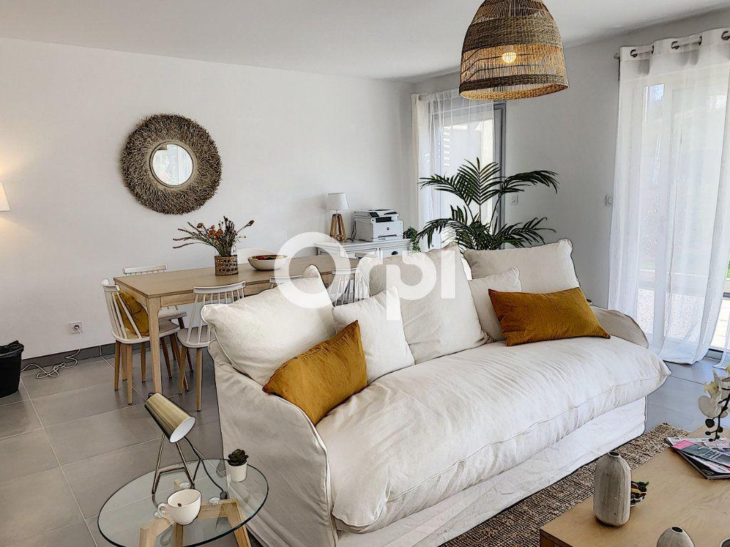 Appartement à vendre 3 79.26m2 à Saint-Raphaël vignette-1