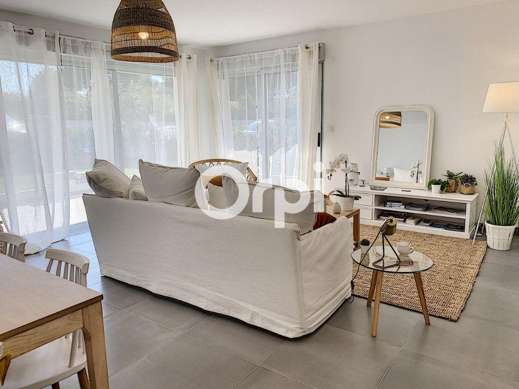Appartement à vendre 3 79.26m2 à Saint-Raphaël vignette-2