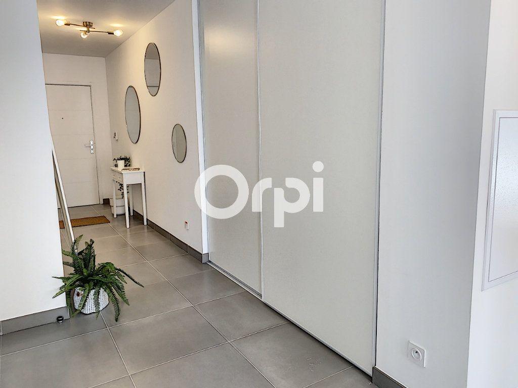 Appartement à vendre 3 79.26m2 à Saint-Raphaël vignette-4