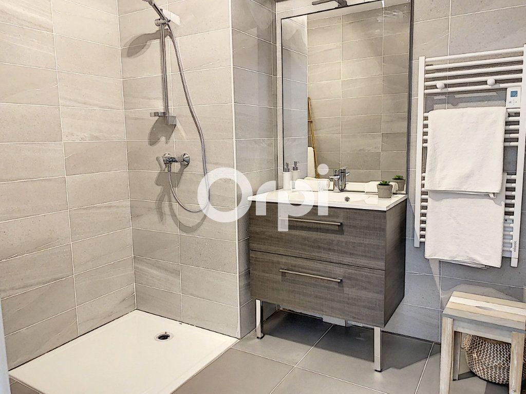 Appartement à vendre 3 79.26m2 à Saint-Raphaël vignette-5