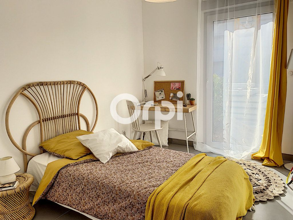 Appartement à vendre 3 79.26m2 à Saint-Raphaël vignette-6