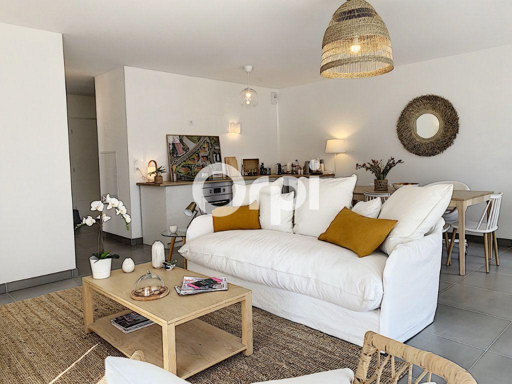 Appartement à vendre 3 79.26m2 à Saint-Raphaël vignette-7