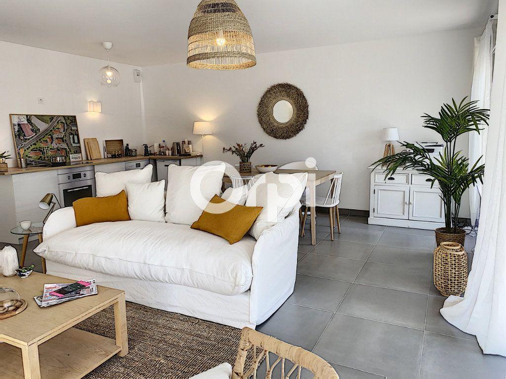 Appartement à vendre 3 79.26m2 à Saint-Raphaël vignette-8