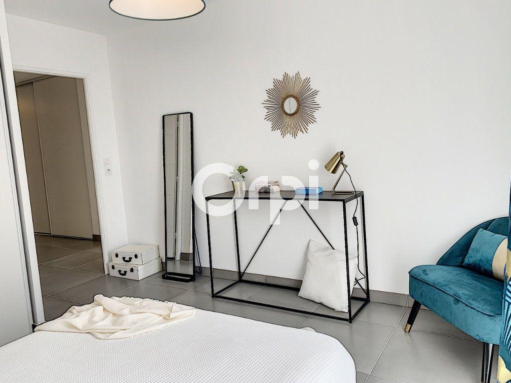 Appartement à vendre 3 79.26m2 à Saint-Raphaël vignette-9