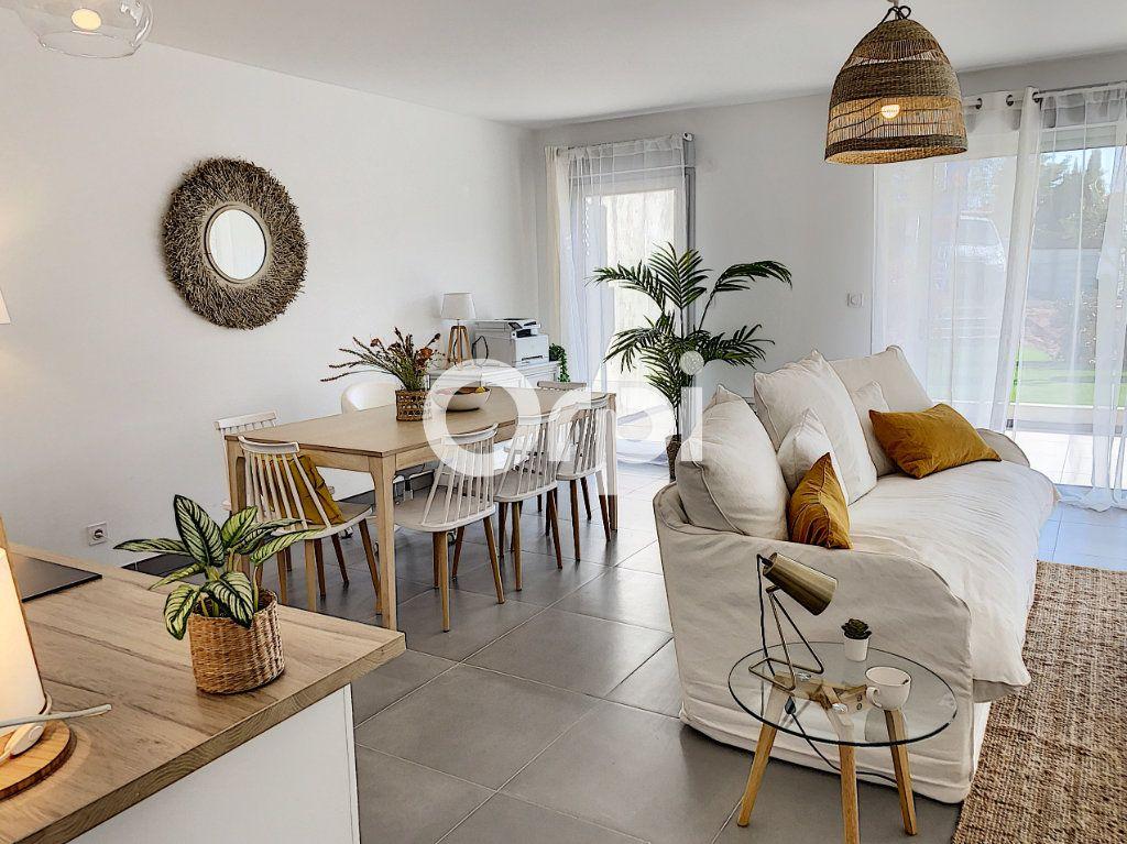 Appartement à vendre 3 79.26m2 à Saint-Raphaël vignette-10