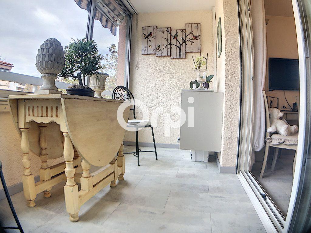 Appartement à vendre 3 59.7m2 à Fréjus vignette-5