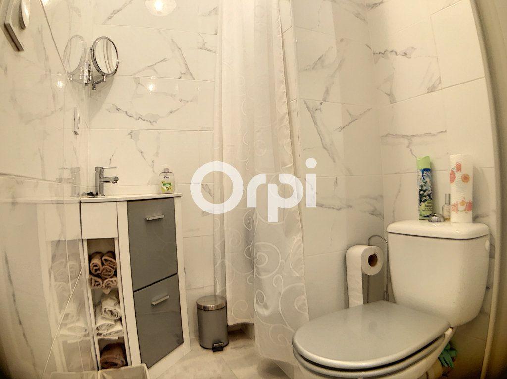 Appartement à vendre 3 59.7m2 à Fréjus vignette-9