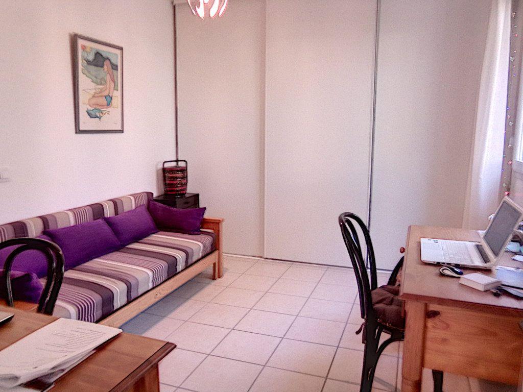 Appartement à vendre 4 93.5m2 à Saint-Raphaël vignette-13
