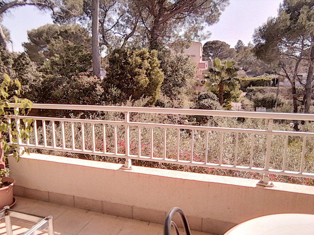 Appartement à vendre 4 93.5m2 à Saint-Raphaël vignette-15