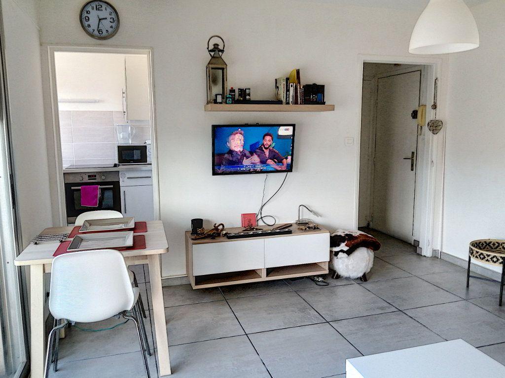 Appartement à vendre 1 24.46m2 à Fréjus vignette-2