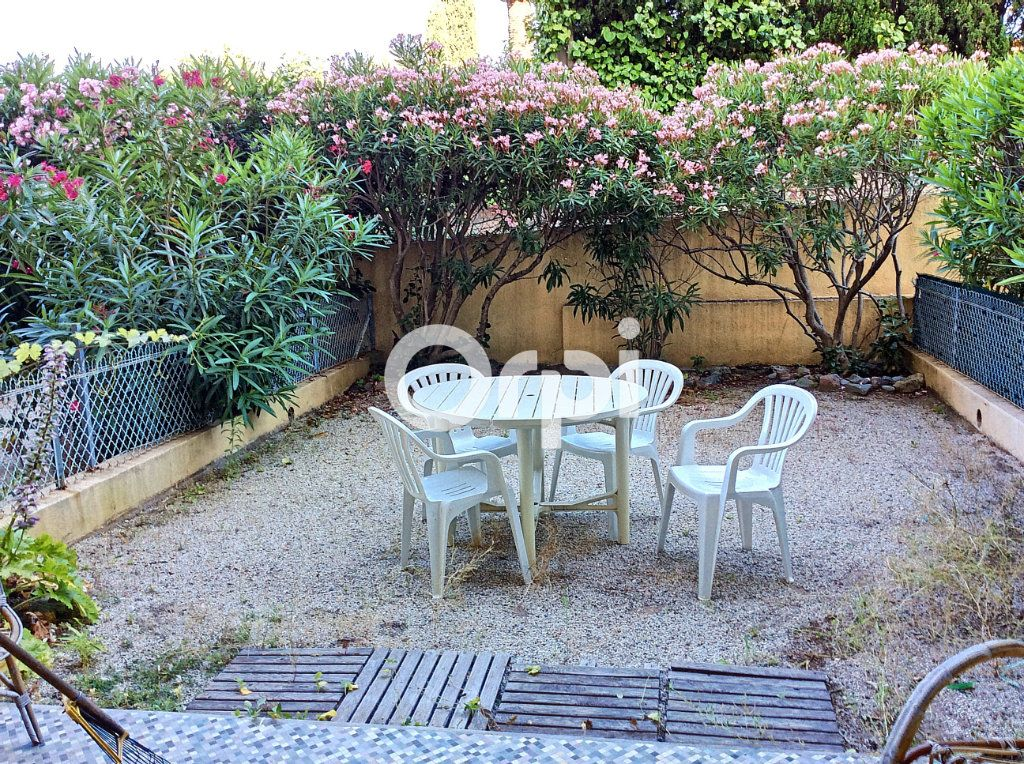 Appartement à vendre 1 38.71m2 à Saint-Raphaël vignette-1