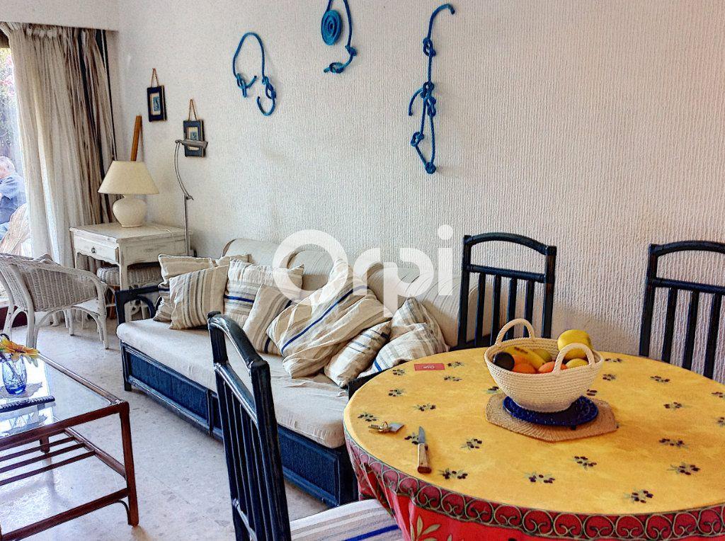 Appartement à vendre 1 38.71m2 à Saint-Raphaël vignette-2