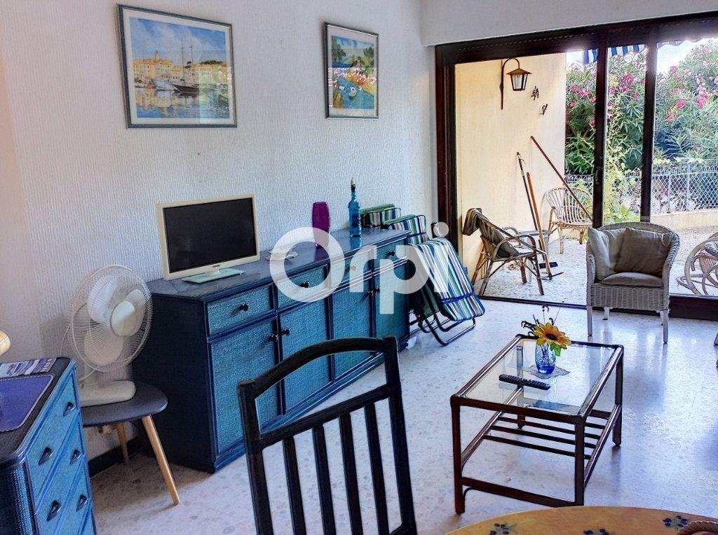 Appartement à vendre 1 38.71m2 à Saint-Raphaël vignette-3
