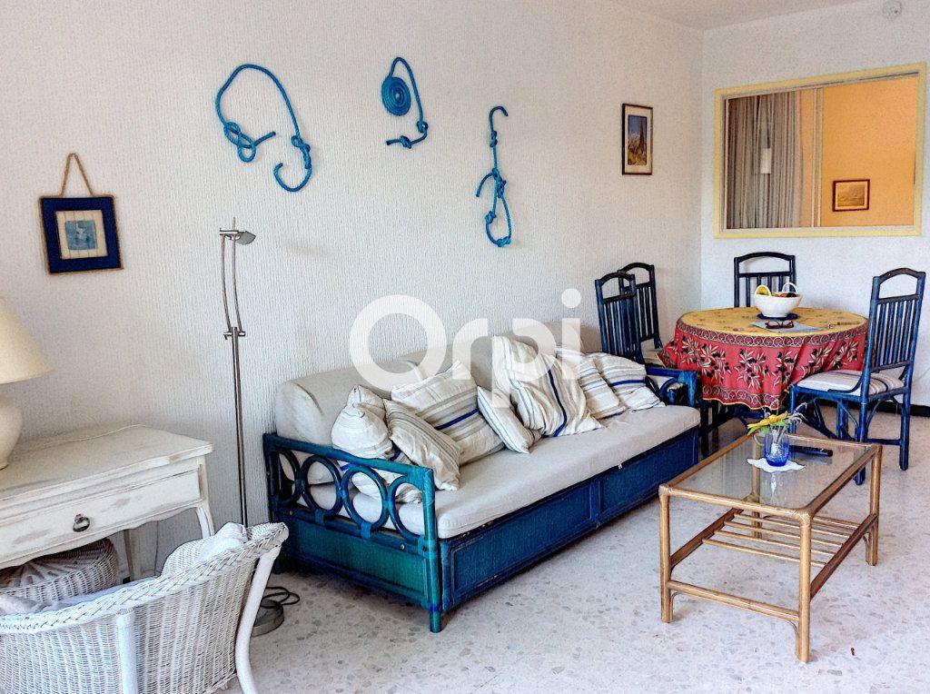Appartement à vendre 1 38.71m2 à Saint-Raphaël vignette-5