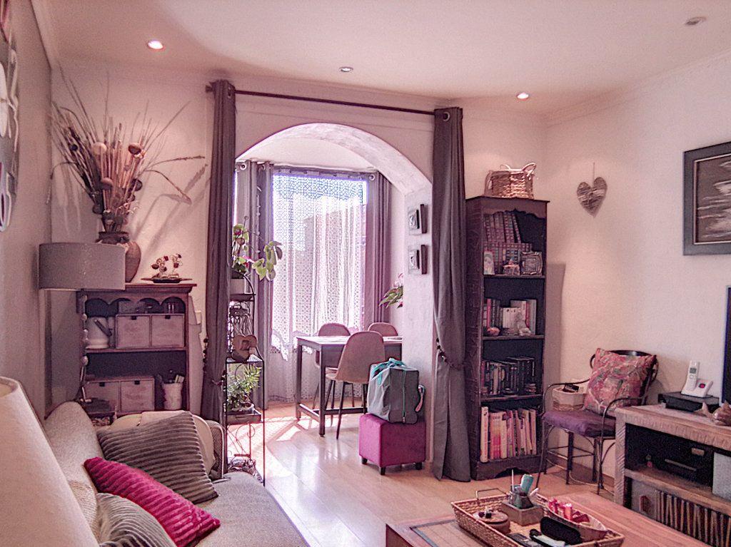 Appartement à vendre 2 42.34m2 à Fréjus vignette-1