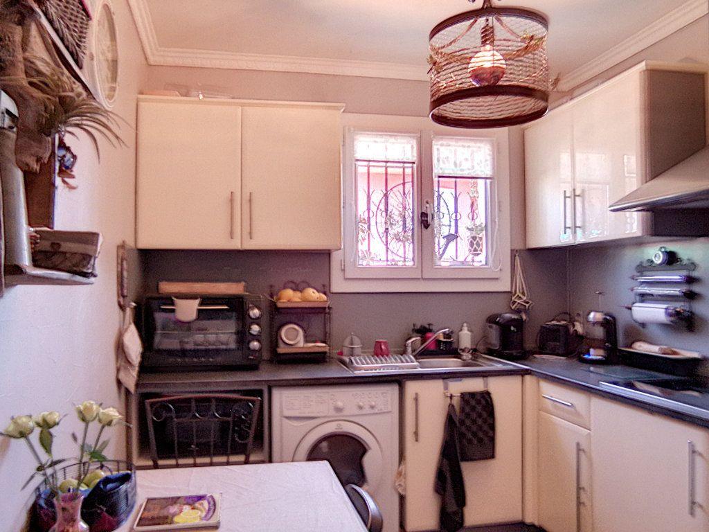 Appartement à vendre 2 42.34m2 à Fréjus vignette-3