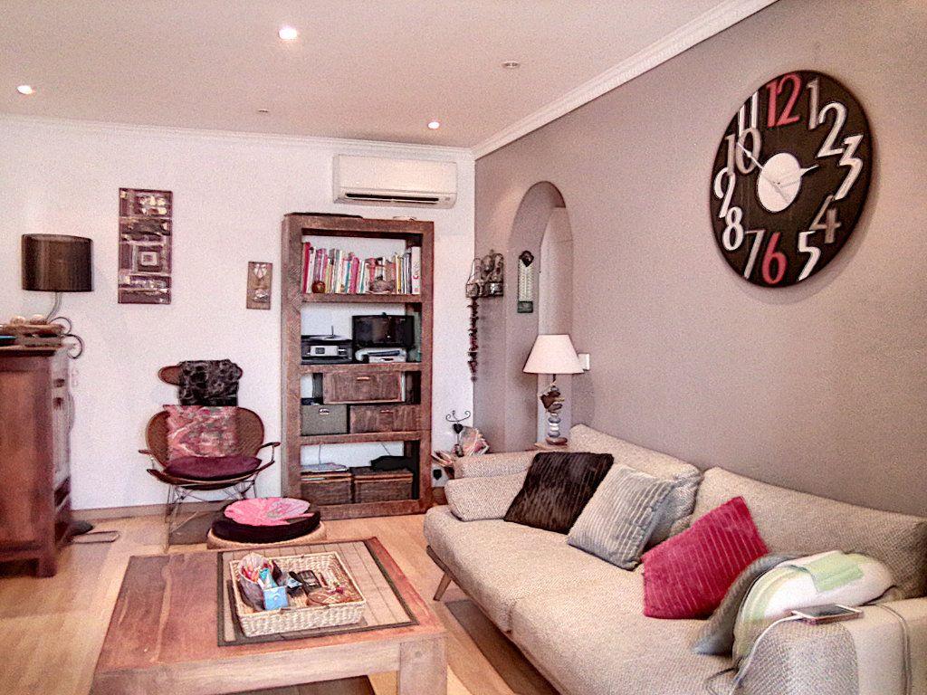 Appartement à vendre 2 42.34m2 à Fréjus vignette-5