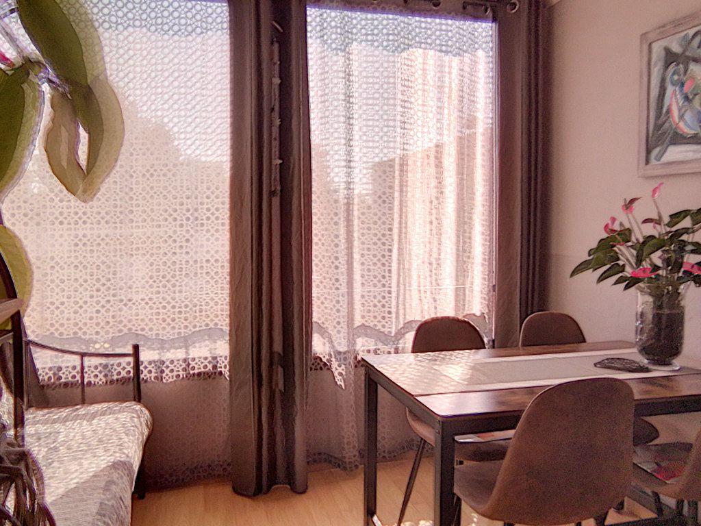 Appartement à vendre 2 42.34m2 à Fréjus vignette-6