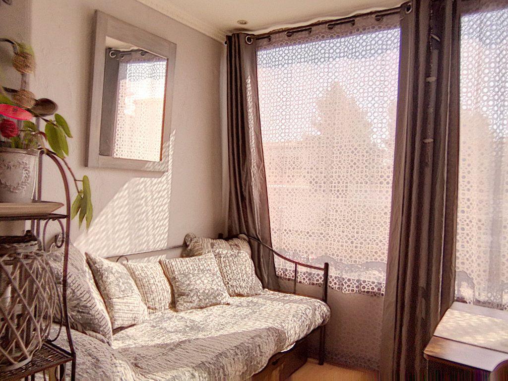 Appartement à vendre 2 42.34m2 à Fréjus vignette-12