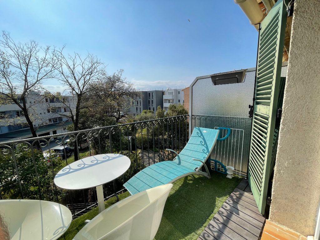 Appartement à vendre 2 47m2 à Saint-Raphaël vignette-1