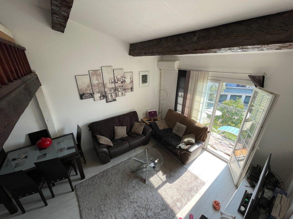 Appartement à vendre 2 47m2 à Saint-Raphaël vignette-4