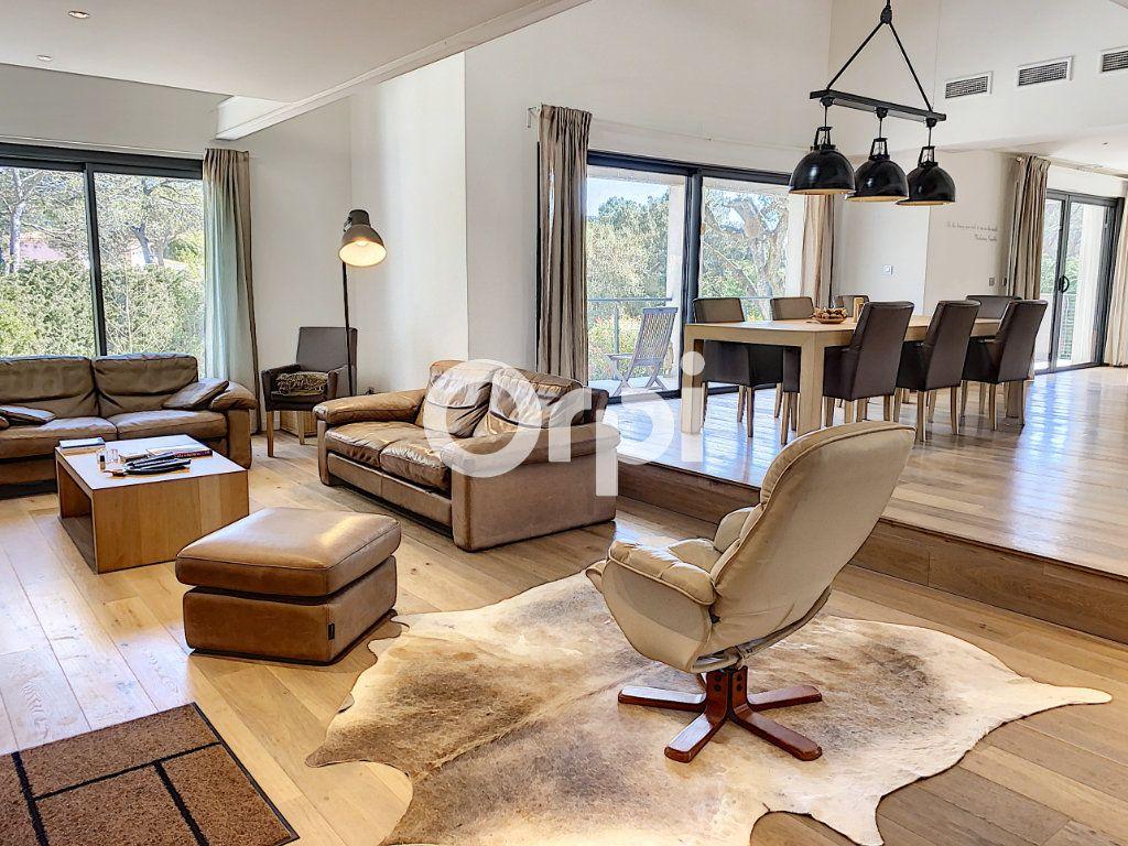 Maison à vendre 11 388m2 à Saint-Raphaël vignette-2
