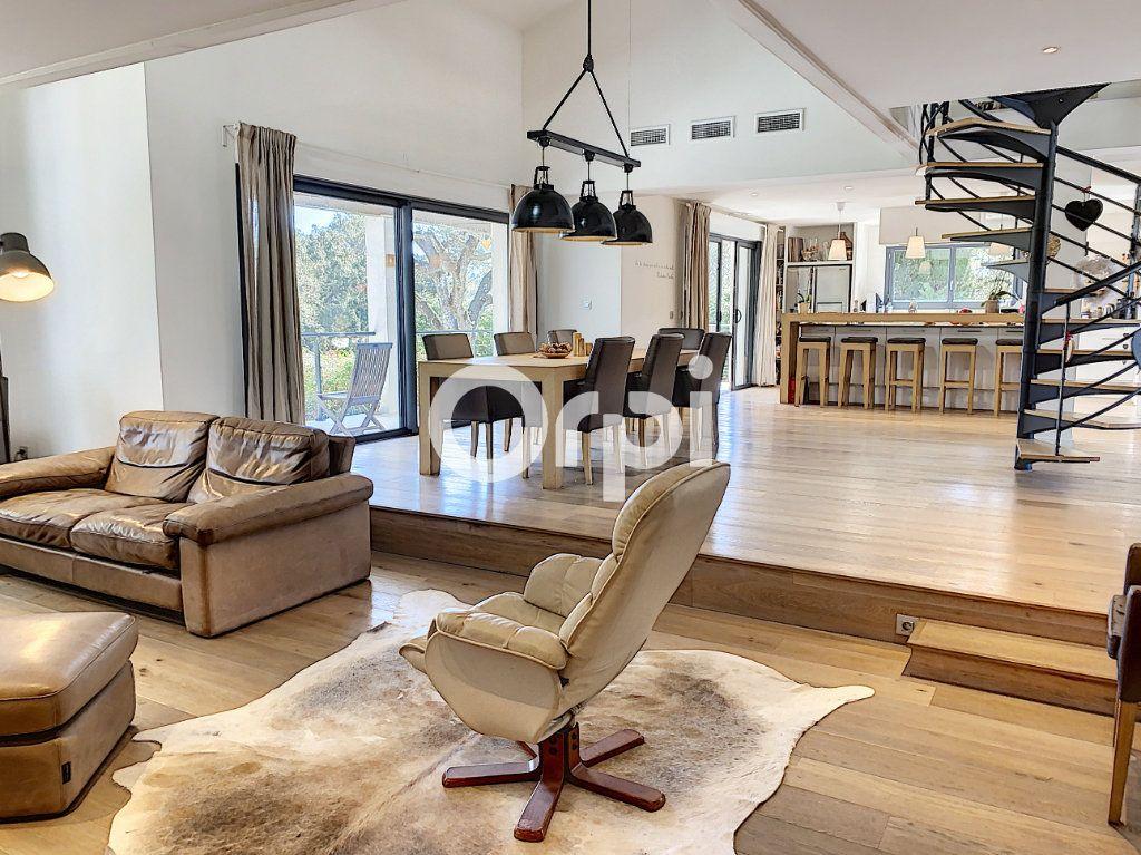 Maison à vendre 11 388m2 à Saint-Raphaël vignette-6