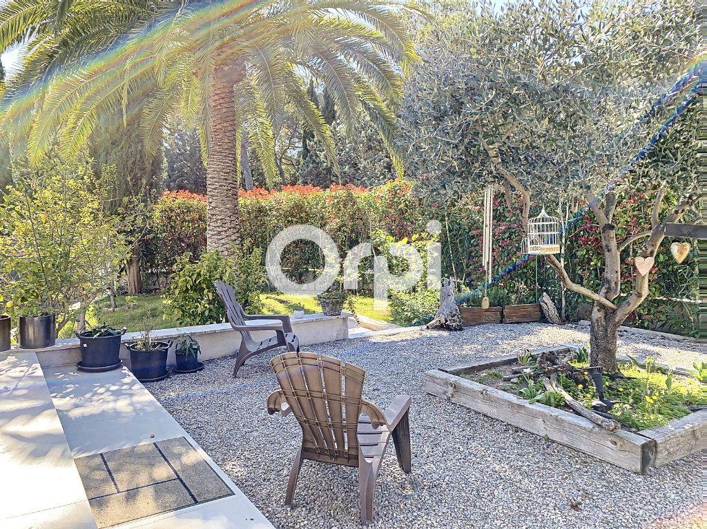 Maison à vendre 11 388m2 à Saint-Raphaël vignette-9