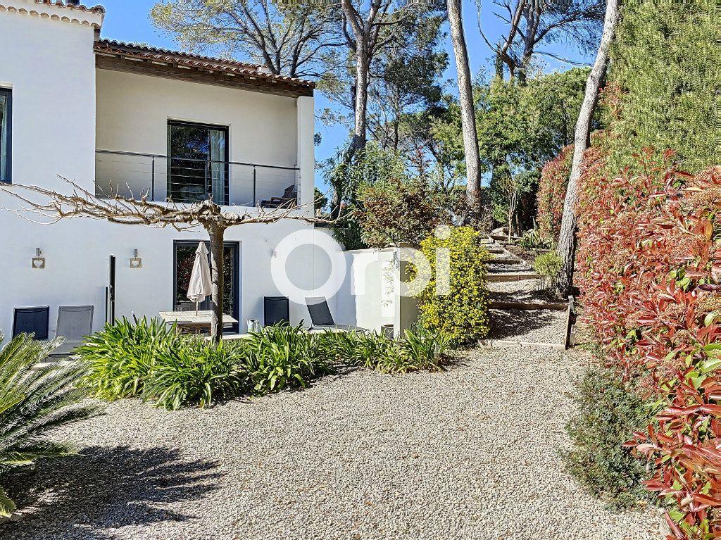 Maison à vendre 11 388m2 à Saint-Raphaël vignette-11