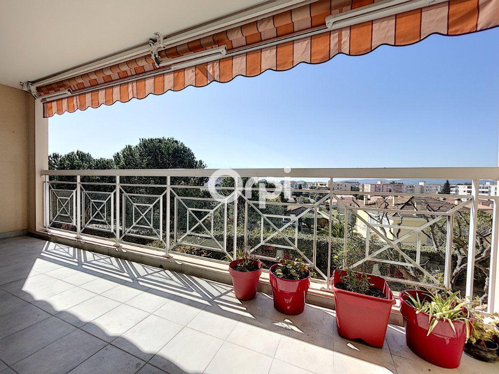 Appartement à vendre 2 37.61m2 à Fréjus vignette-1