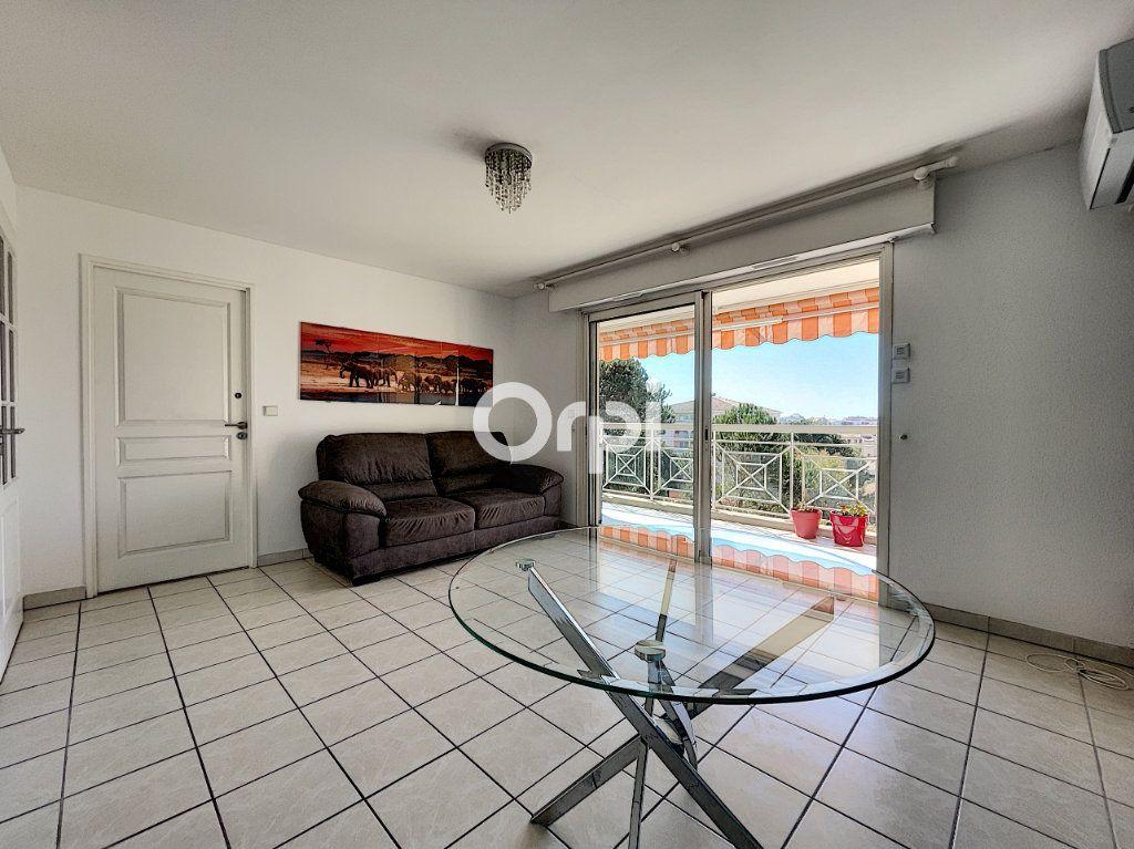 Appartement à vendre 2 37.61m2 à Fréjus vignette-2