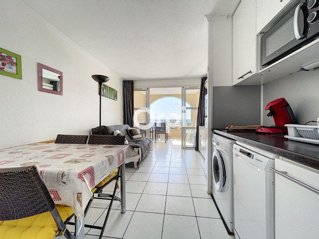 Appartement à vendre 1 22m2 à Saint-Raphaël vignette-5