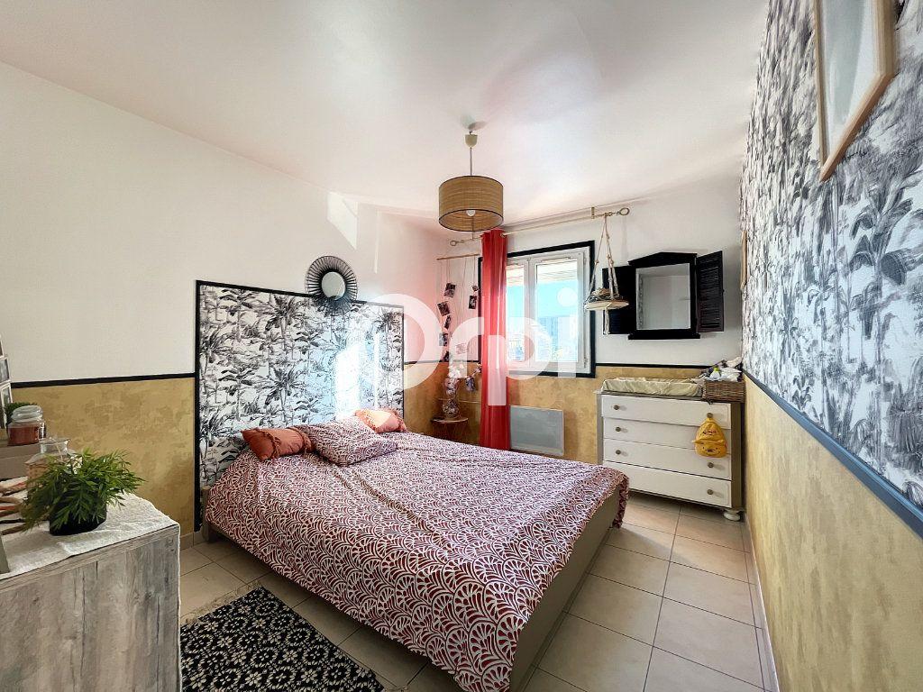 Appartement à vendre 3 72m2 à Fréjus vignette-2