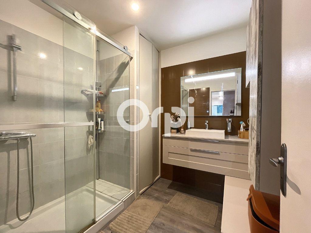 Appartement à vendre 3 72m2 à Fréjus vignette-3