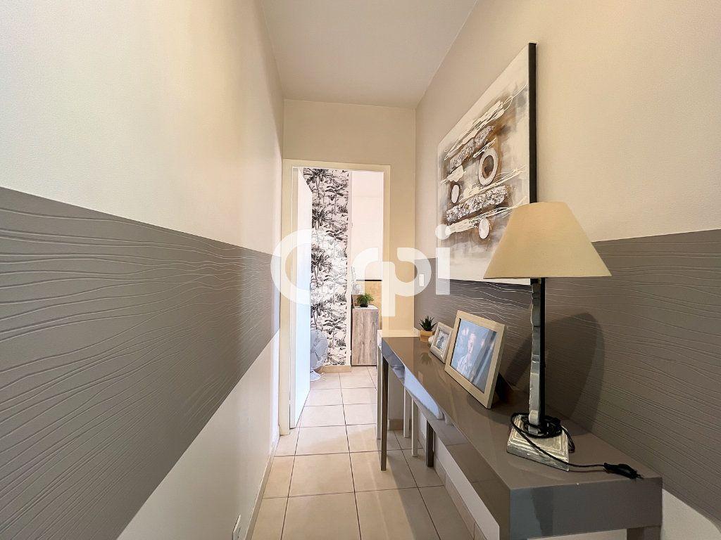 Appartement à vendre 3 72m2 à Fréjus vignette-4