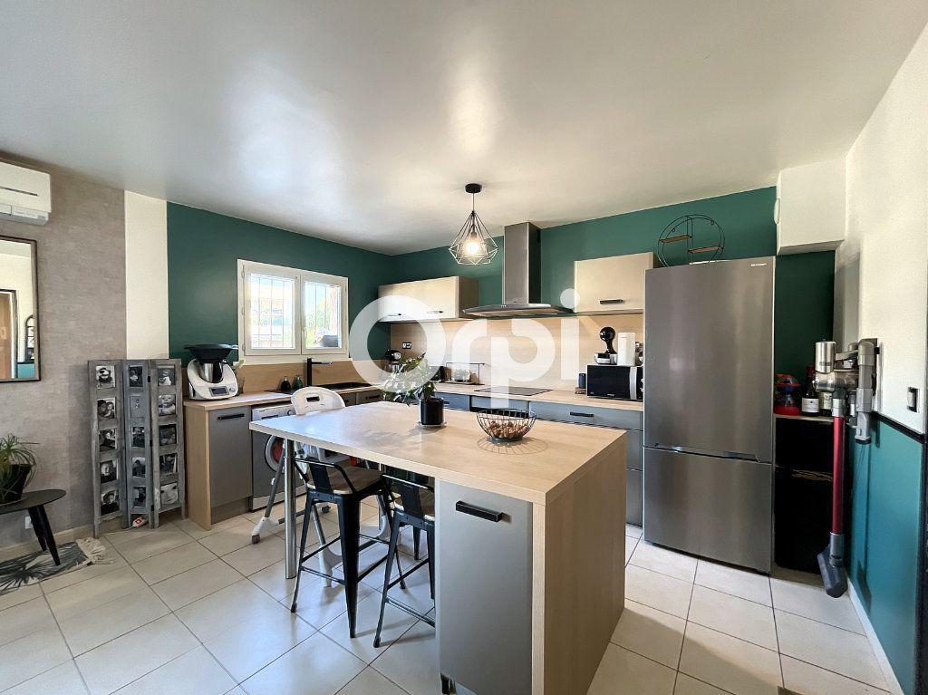 Appartement à vendre 3 72m2 à Fréjus vignette-6