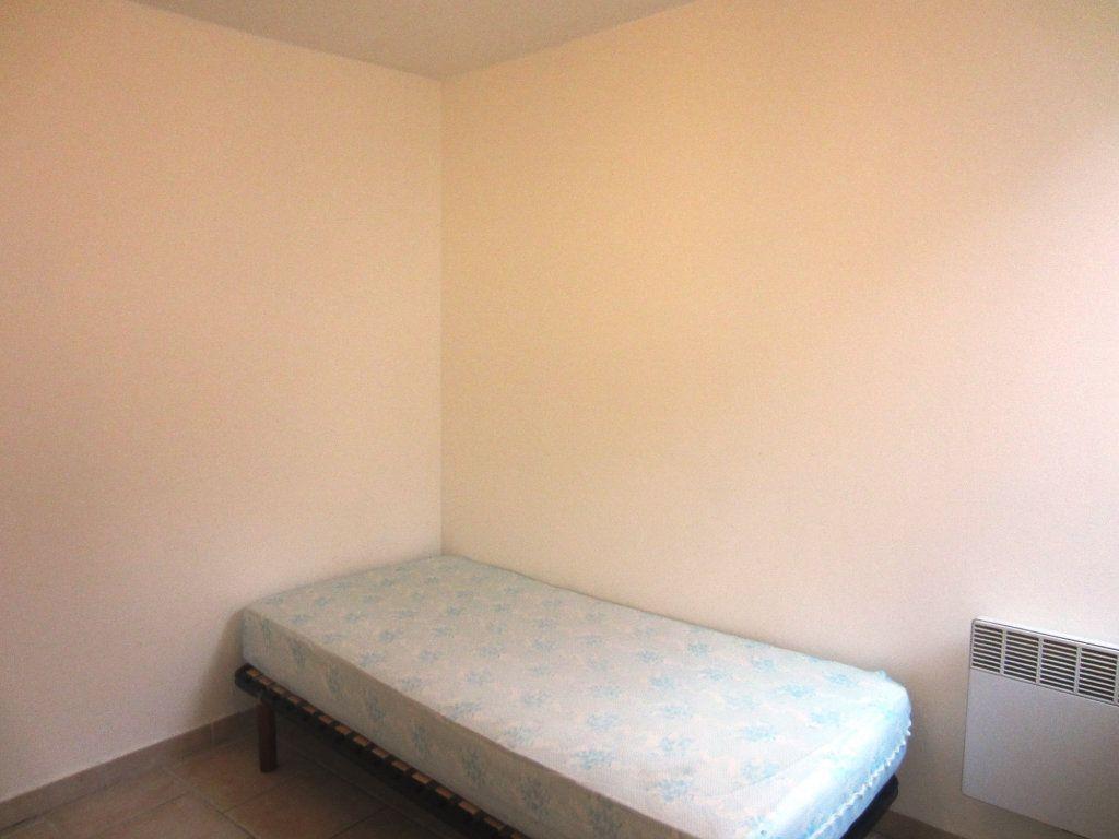 Appartement à louer 2 24m2 à Sisteron vignette-3