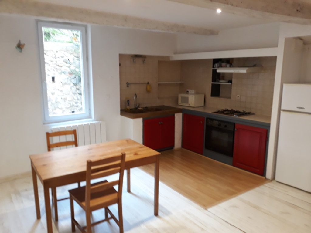 Appartement à louer 3 47m2 à Sisteron vignette-2