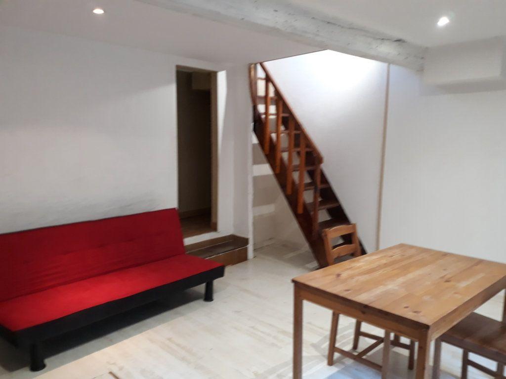 Appartement à louer 3 47m2 à Sisteron vignette-3