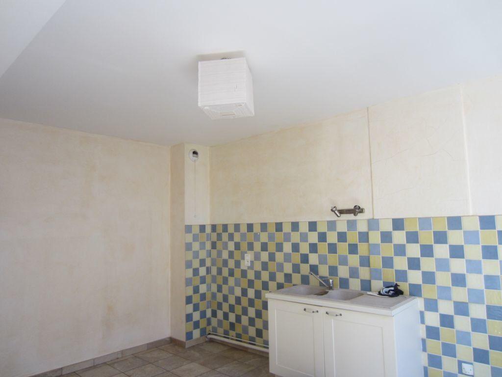 Appartement à louer 3 65m2 à Sisteron vignette-2