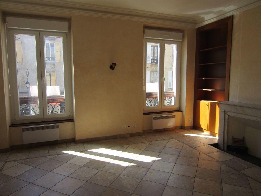 Appartement à louer 3 65m2 à Sisteron vignette-7