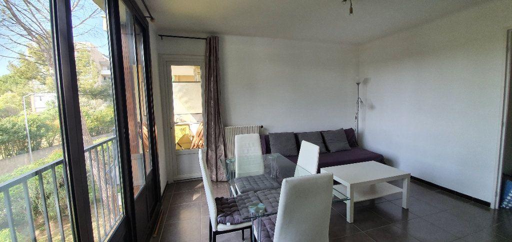 Appartement à louer 3 51m2 à Aix-en-Provence vignette-3
