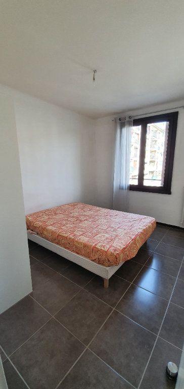 Appartement à louer 3 51m2 à Aix-en-Provence vignette-8
