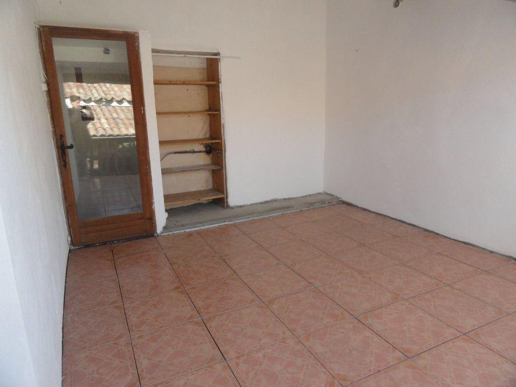 Maison à vendre 4 72m2 à Château-Arnoux-Saint-Auban vignette-9