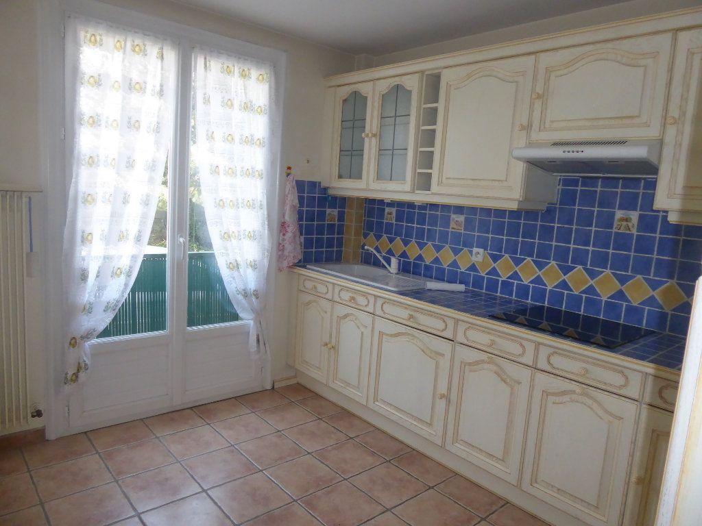 Appartement à louer 3 80m2 à Sisteron vignette-2