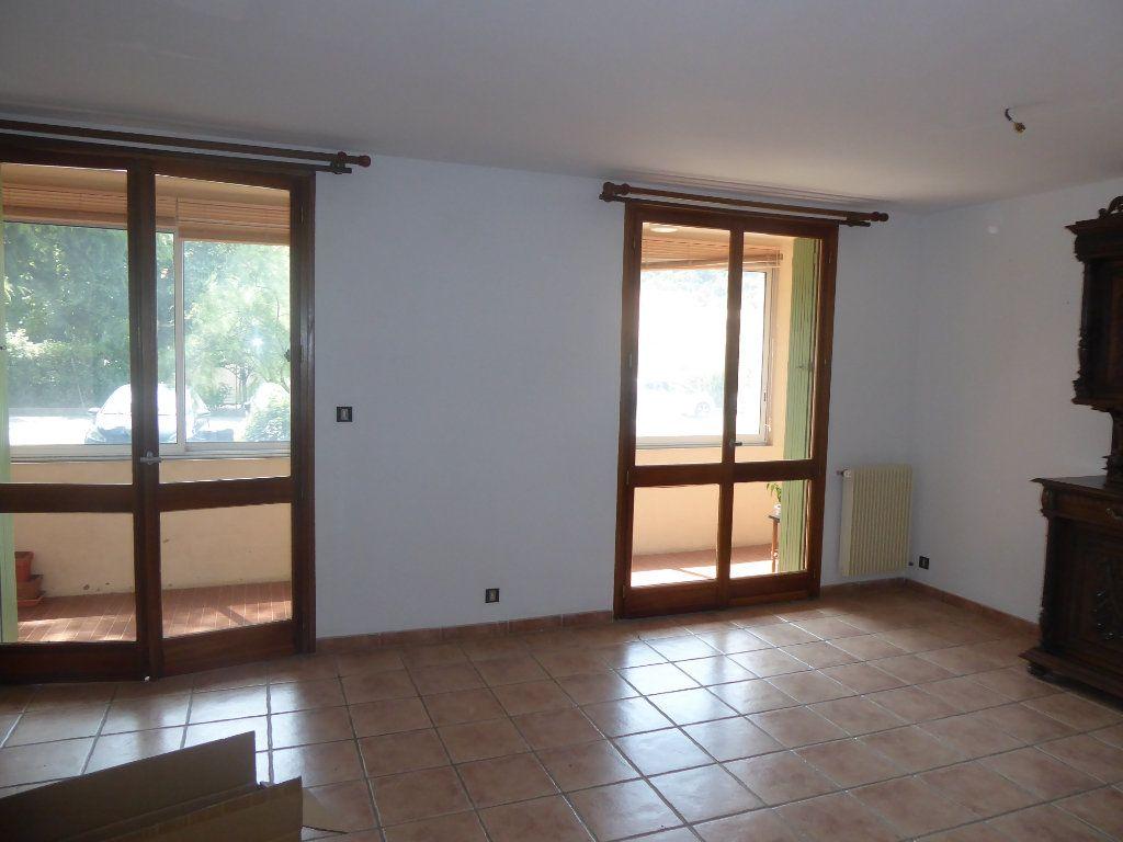 Appartement à louer 3 80m2 à Sisteron vignette-3