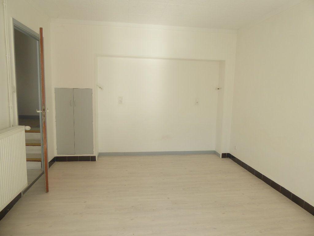 Appartement à louer 3 51m2 à Sisteron vignette-4