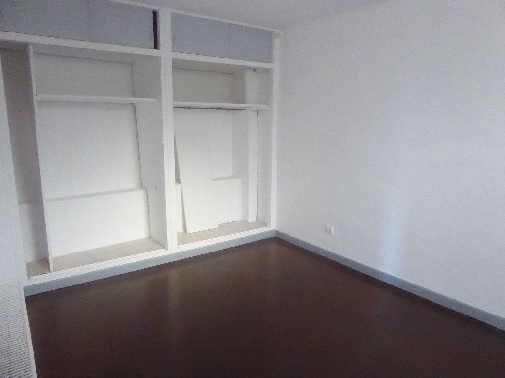 Appartement à louer 3 51m2 à Sisteron vignette-5