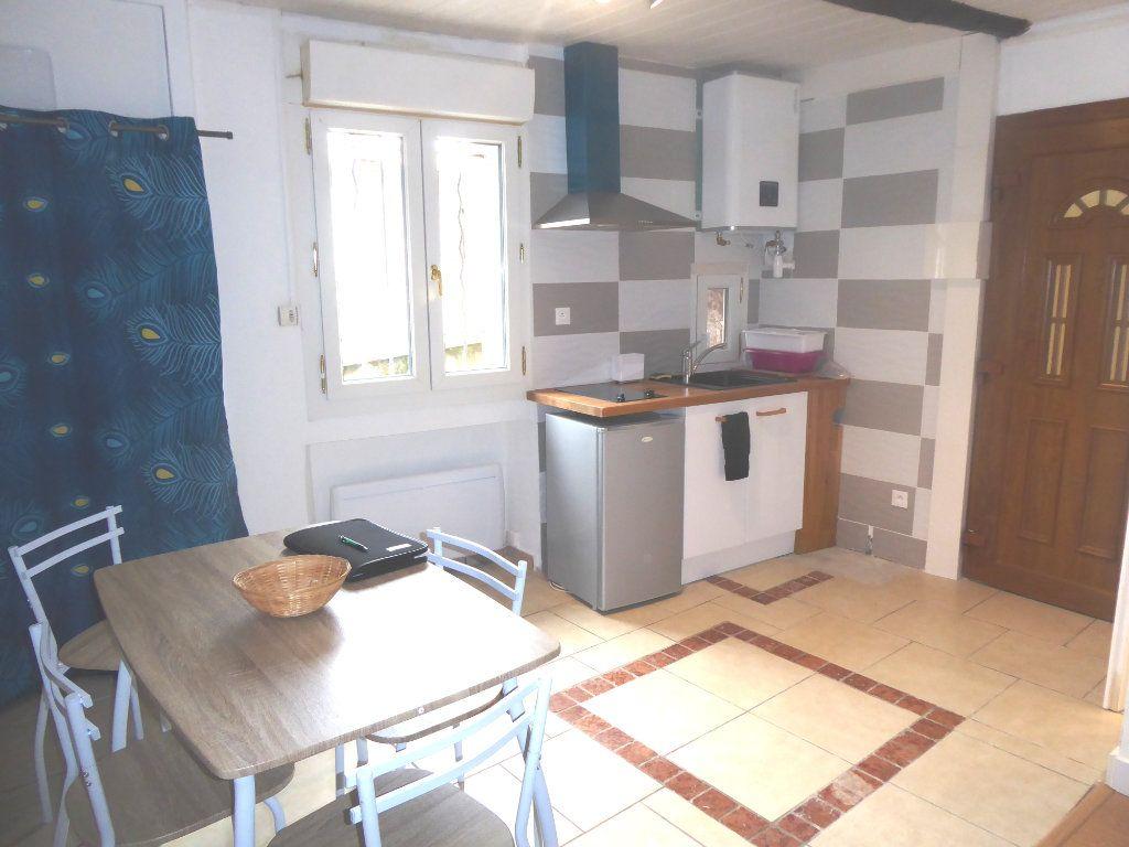 Appartement à louer 1 20m2 à Château-Arnoux-Saint-Auban vignette-1